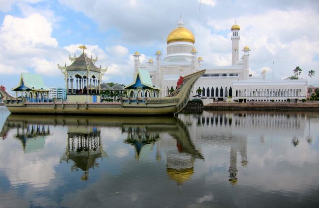 Boat Mosque