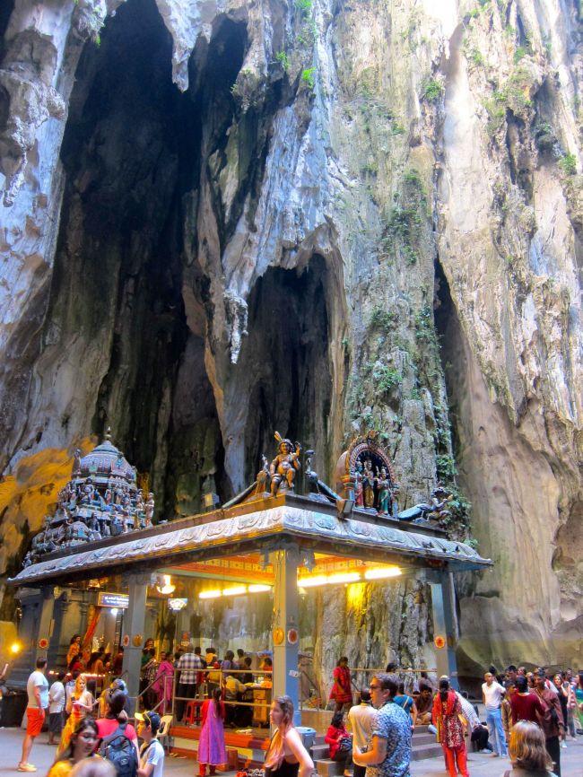 Vatu Caves 3