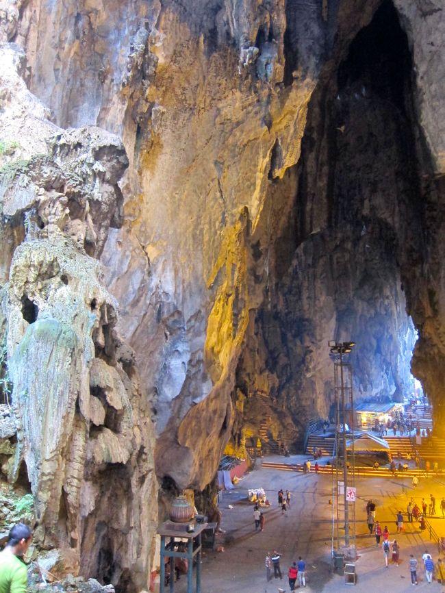 Vatu Caves 4
