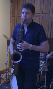 Playing horn